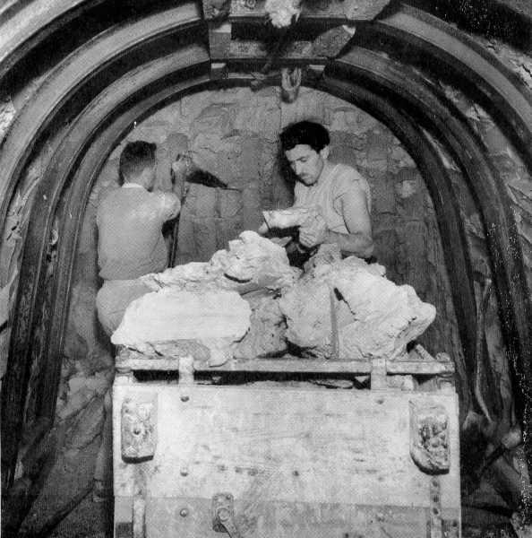 Dorset underground clay mine, 1950s