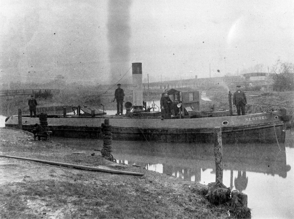 Kestrel tug, early 1900s